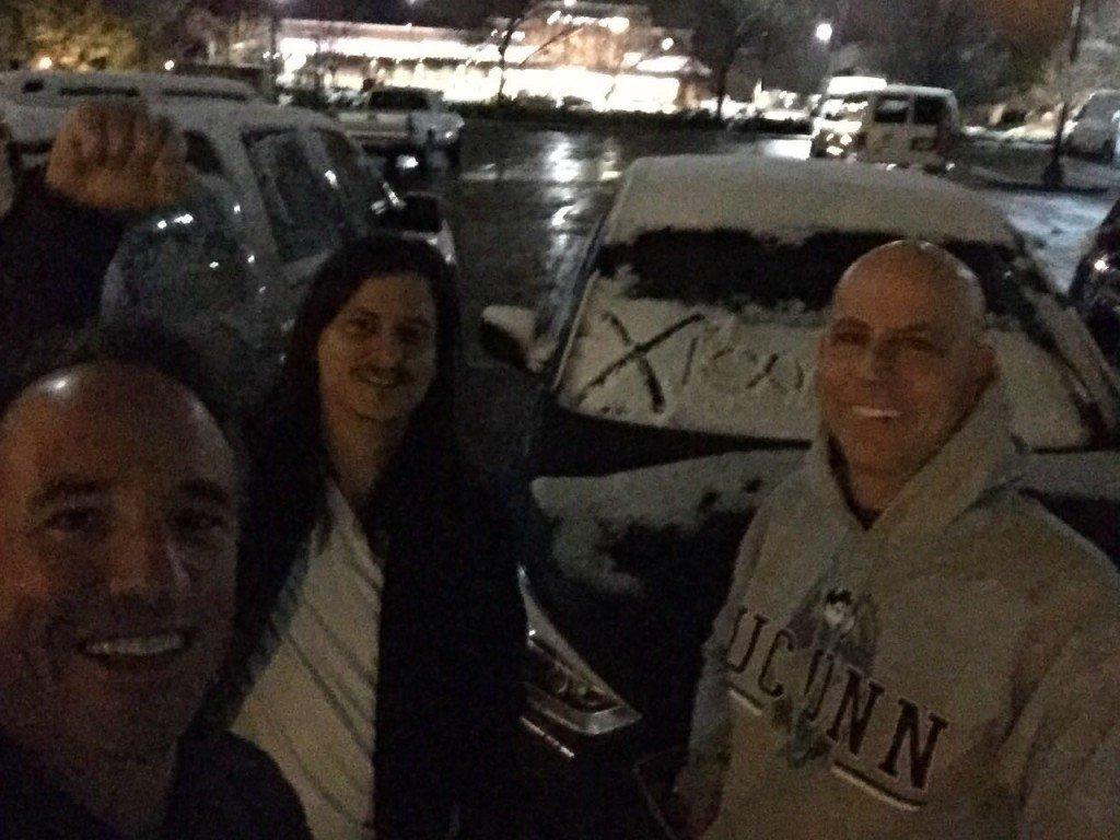 Encontramos el auto lleno de nieve!
